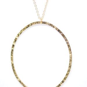 Sautoir martelé oval en or